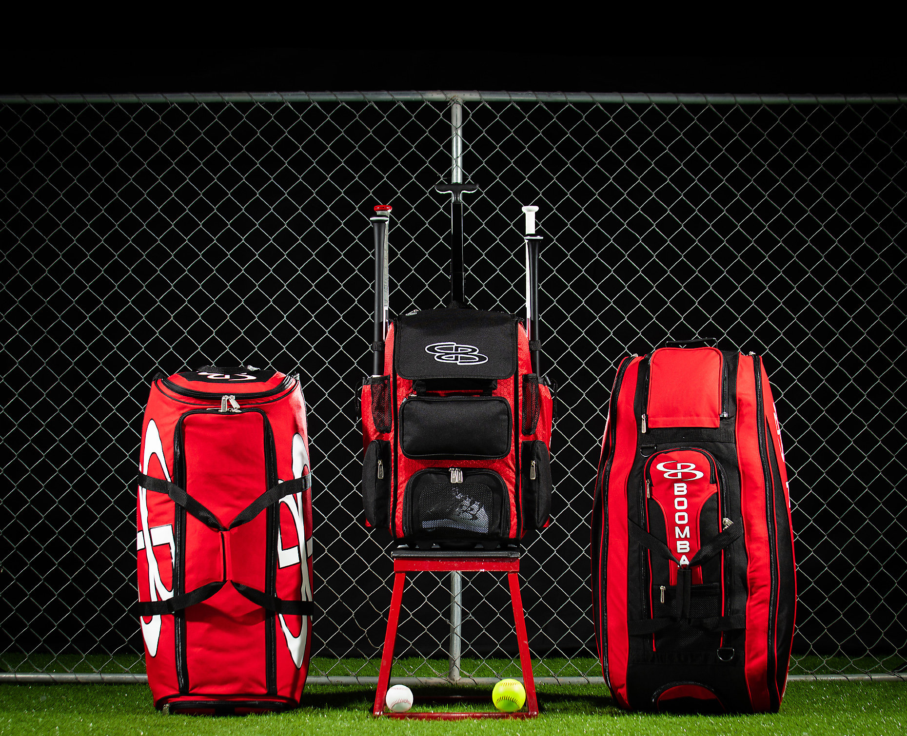 a custom hybrid bat bag with both straps and wheels